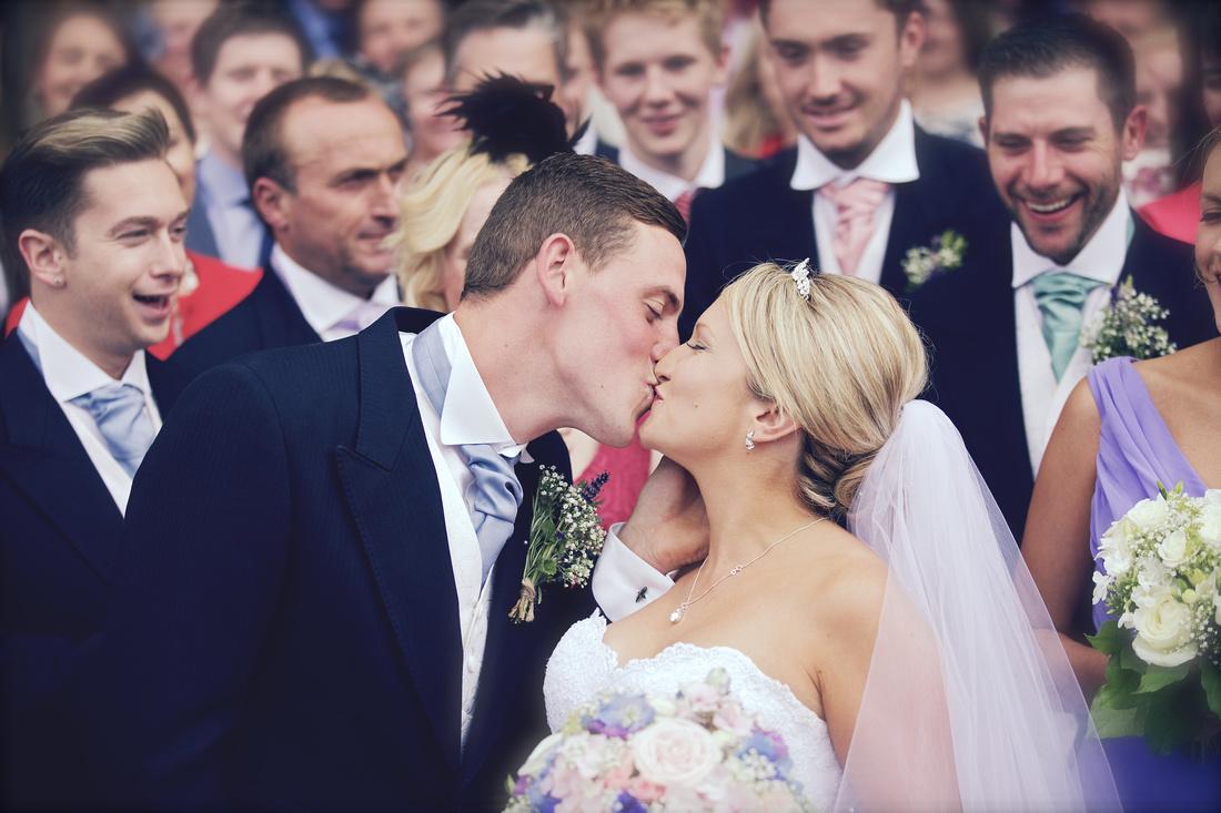 Arundel Cathedral Wedding - Amy Beau 0359