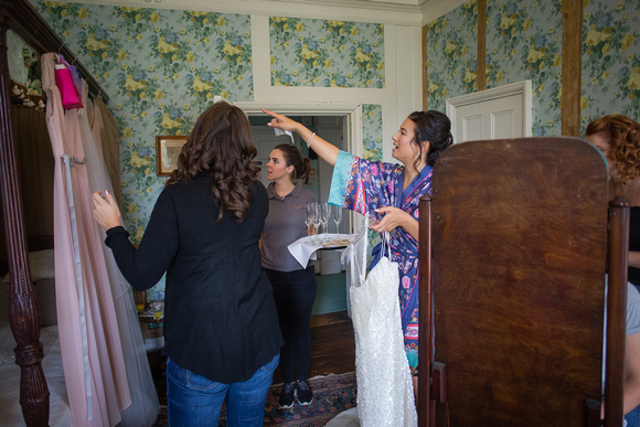 Yasmin Phil Chiddingstone Castle Wedding Photographers-18