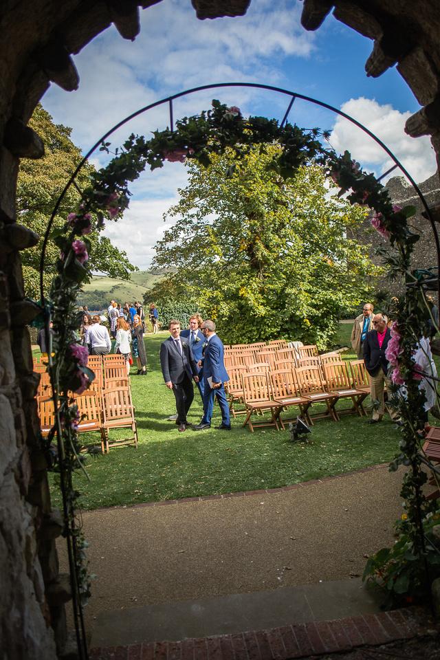 Lewes wedding Photographers - Vintage Bus Lewes castle wedding photography